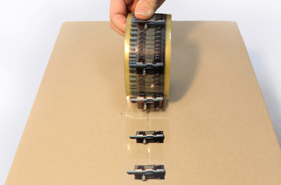 креативная липкая лента X-Tape 2 (570x376, 120Kb)