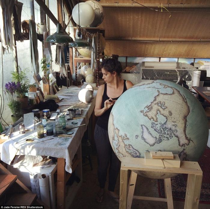 глобусы ручной работы Bellerby & Co. Globemakers 2 (700x697, 523Kb)