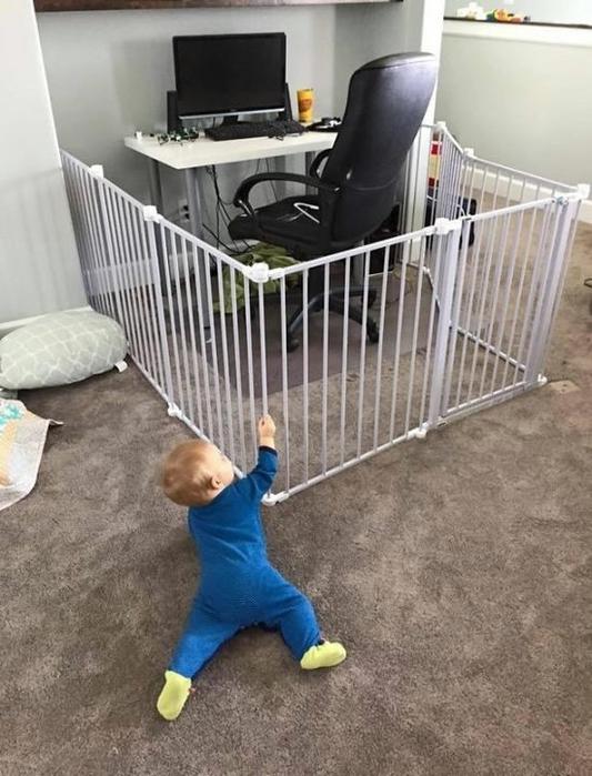 ребенок-компьютер-ограда-2363638 (533x700, 249Kb)