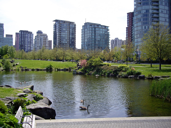 look-back-from-stanley-park-vancouver-canada + 1152_12753373838-tpfil02aw-8957 (700x525, 502Kb)