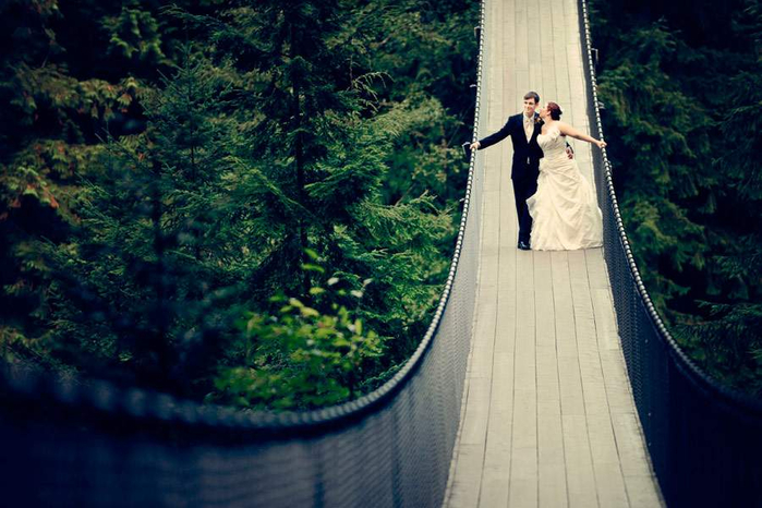 capilano-suspension-bridge-wedding-www.gezilecekyer.org_ (700x466, 369Kb)