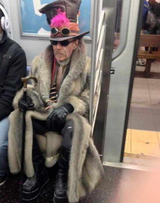 Смешная мода в метро2 (552x700, 220Kb)