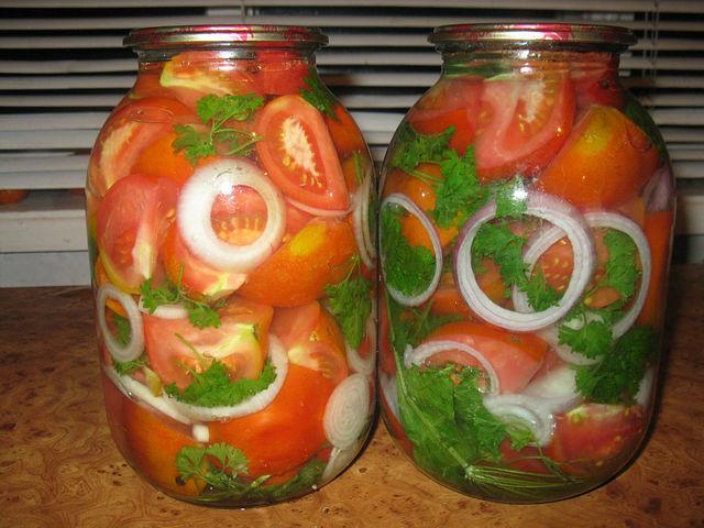 Рецепт помидоров консервированных с луком