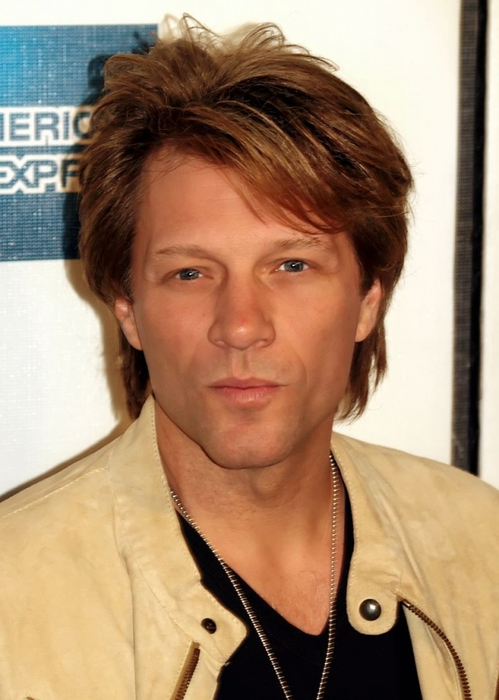 5640974_800pxJon_Bon_Jovi_at_the_2009_Tribeca_Film_Festival_3 (499x700, 216Kb)
