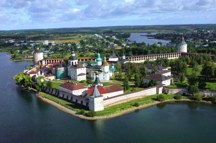 Кирилло-Белозерский монастырь (700x463, 86Kb)