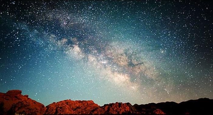 Млечный путь в ночном небе2 (700x379, 284Kb)
