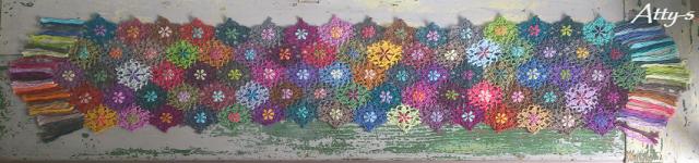 Catonaleftoverflowerscarf (640x150, 213Kb)