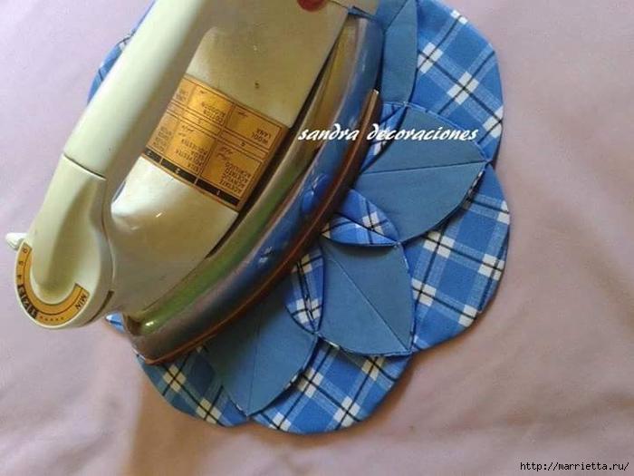 Лоскутное шитье. Подушка с цветком (13) (700x525, 213Kb)