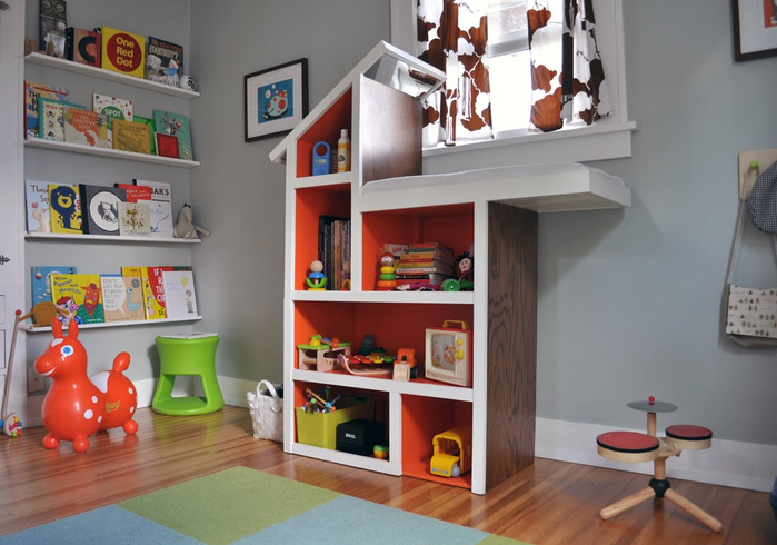 book corner + changing table (700x490, 309Kb)