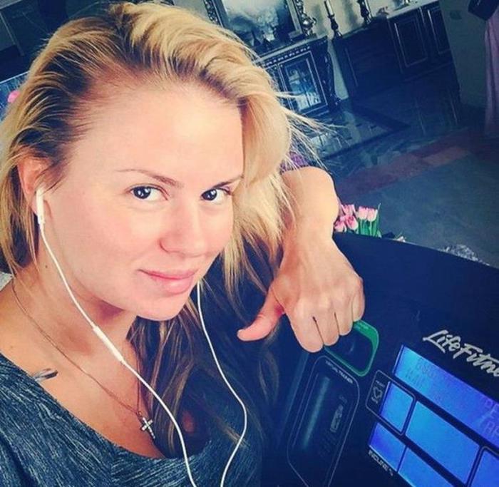 Анна Семенович похудела — новые фото в Инстаграм