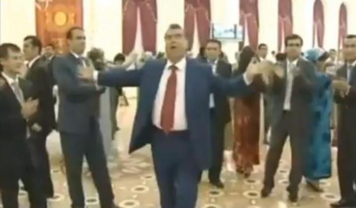 YouTube закрыли в Таджикистане из за видео с танцующим президентом страны