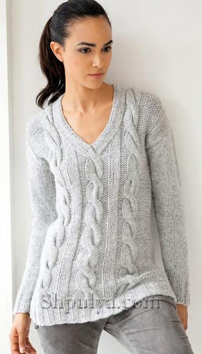 Серый пуловер с косами из
