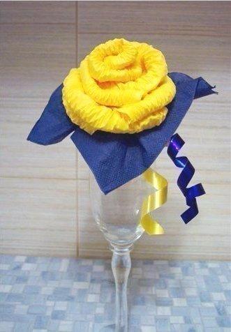 роза из салфеток (331x476, 120Kb)