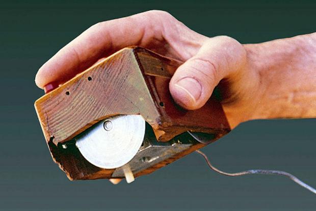 Фотографии первых версий привычных гаджетов, приборов и программ