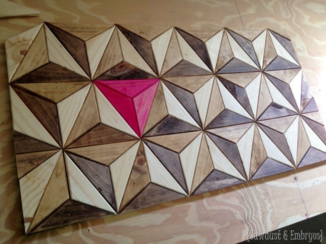 Geometric-3D-illusion-artwork...-all-pieces-cut-from-one-board-Sawdust-and-Embryos (650x488, 306Kb)