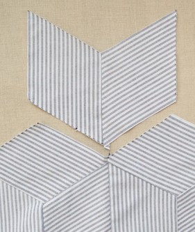 Striped-Tumbling-Blocks-Quilt-How-Tos-600-53-281x333 (281x333, 67Kb)