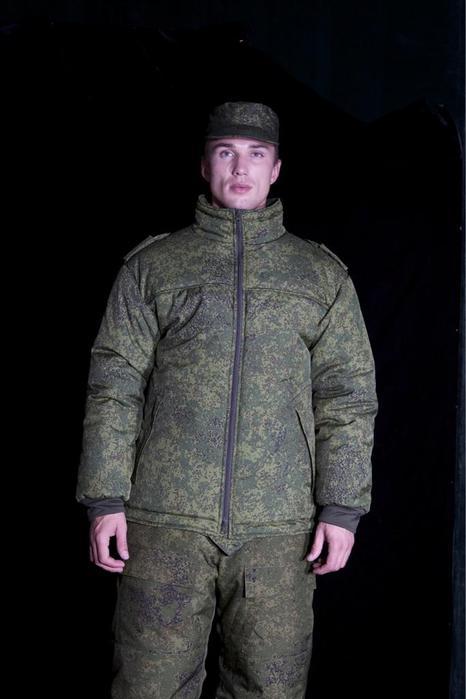 Юдашкин показал оригинал своей военной формы (фото) .