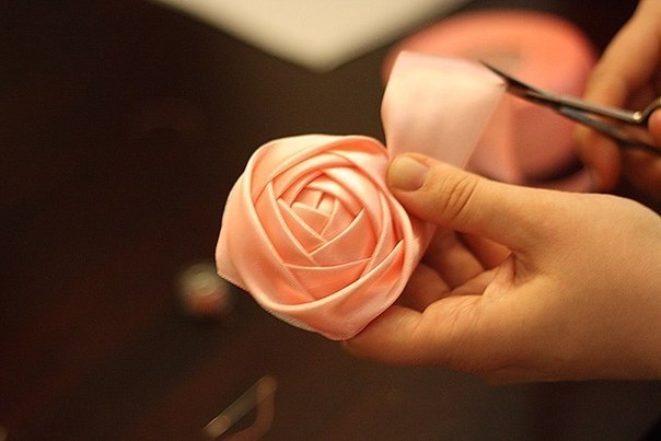 手工丝带花:玫瑰花的做法  (大师班) - maomao - 我随心动