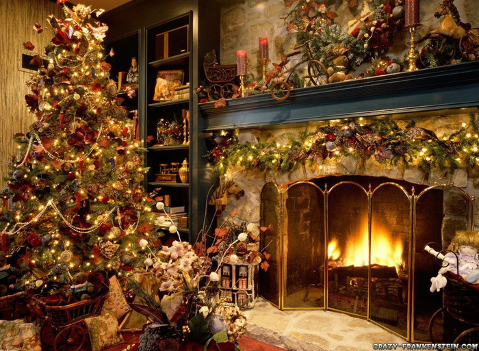 christmas-tree-inside-the-house (700x513, 241Kb)