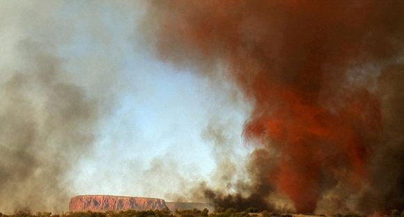 Огненный торнадо в Австралии. Видео, фотографии. Необычный смерч в Алис-Спрингс