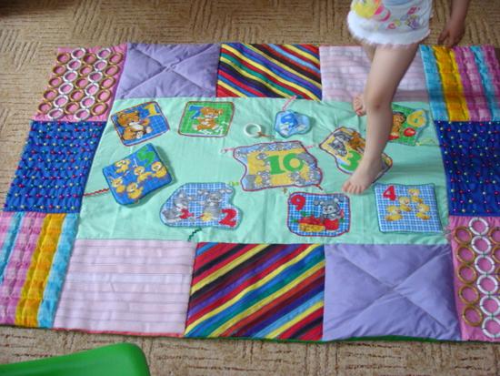 Массажный коврик для детей своими руками видео