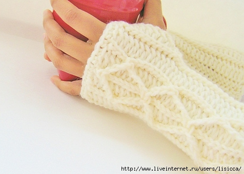 Cream_MItts_024_medium