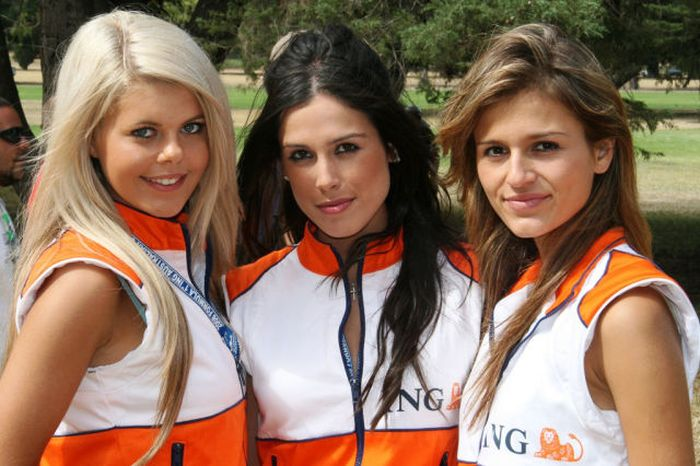 grid_girls_the_1_32 (700x466, 67Kb)