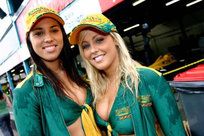 grid_girls_the_1_76 (700x467, 64Kb)