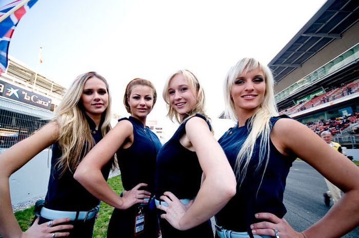 grid_girls_the_1_95 (700x465, 64Kb)
