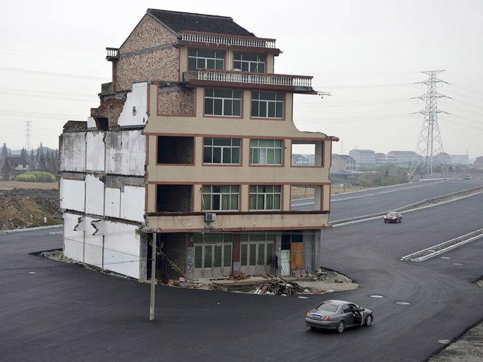 дом-гвоздь китай 1 (700x525, 118Kb)