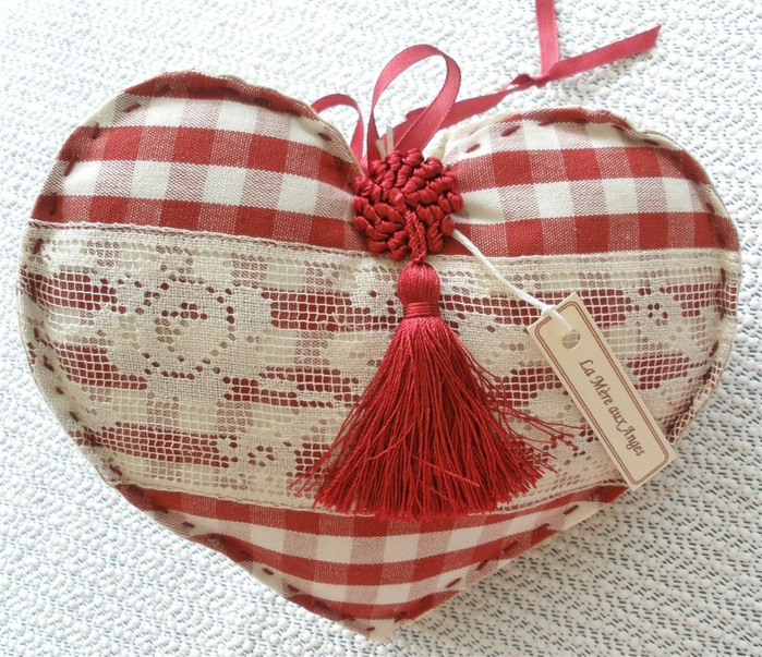 French Linen Gingham Heart with Antique Lace and Tassel Mariette's Back to Basics 3 (700x603, 239Kb)