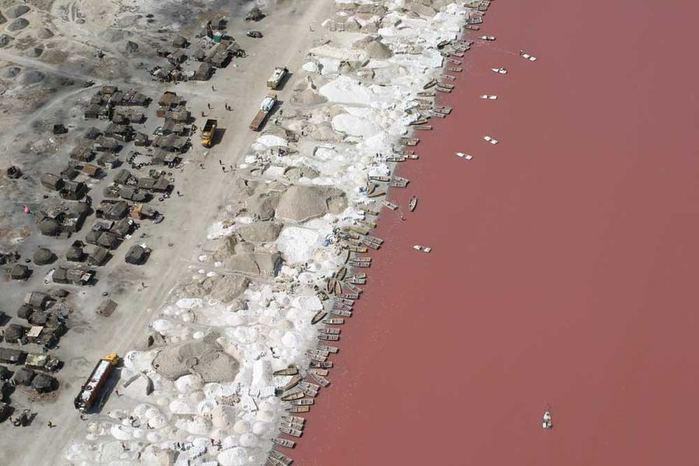 розовое озеро ретба в сенегале 6 (700x466, 52Kb)
