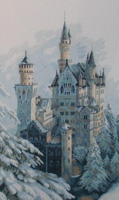 Вышивка. Замок зимой