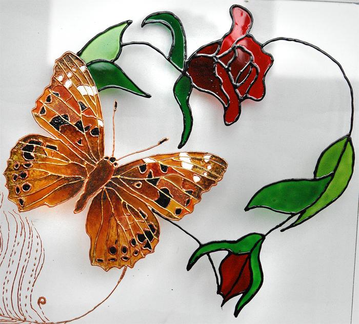 Рисуем бабочек на акриле