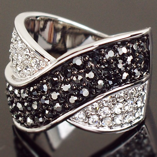 white gold Swarovski Crystal black marcasite cross cocktail finger Ring-500x500 (500x500, 89Kb)