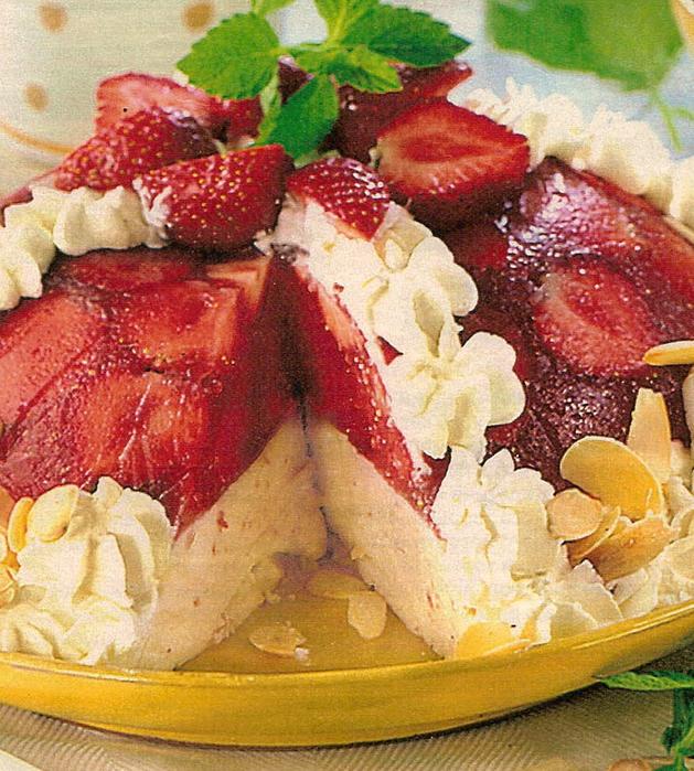 торты без выпечки, клубничный торт, йогуртовый, десерты, анютина кухня/1354195405_img (629x700, 376Kb)