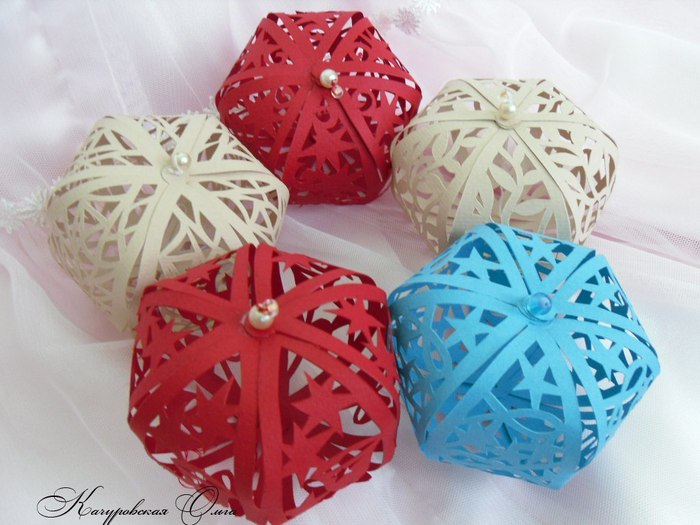 Новогодние шары из бумаги своими руками на