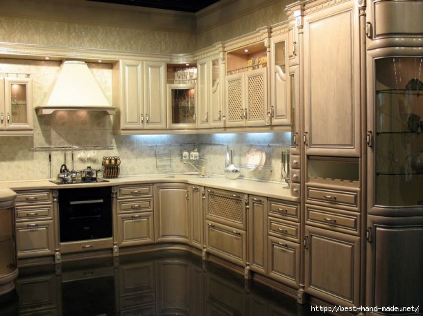 Traditional-Kitchen-with-Whitewash-Cabinets-610x457 (610x457, 149Kb)