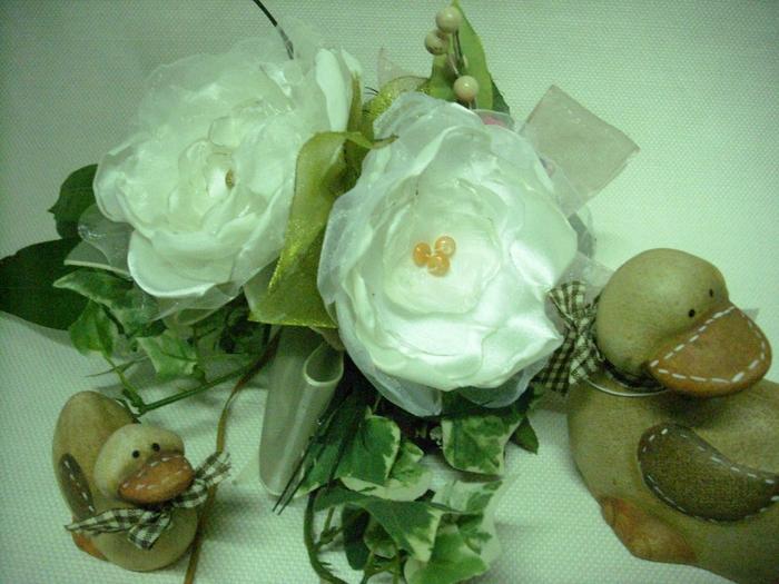 Цветы из атласа и шифона