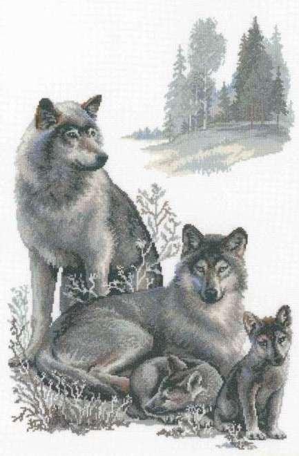 Вышивка. Волки