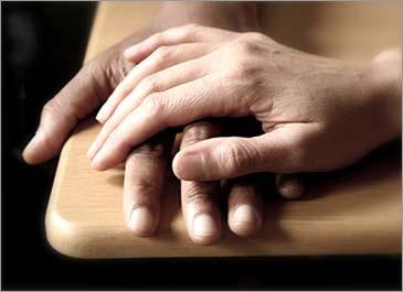 hands (365x265, 21Kb)