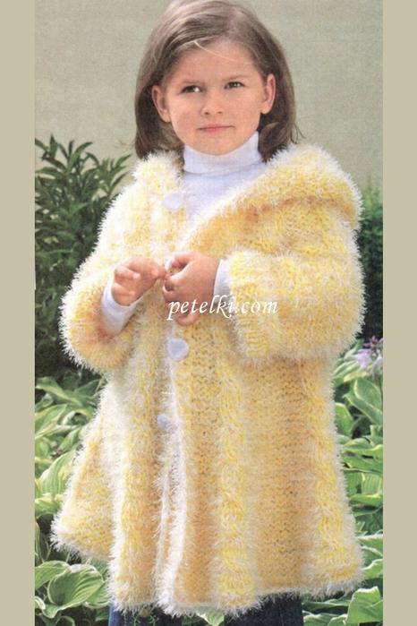 """Детское пальто из пряжи """""""