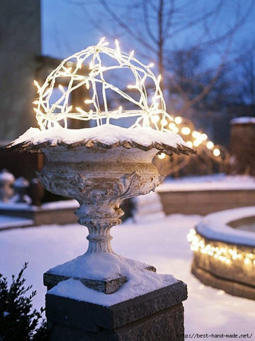 Winter-Topiary-Outdoor-Christmas-Lights-Decorating-Design-e1319576255790 (525x700, 185Kb)