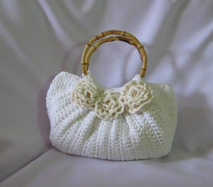 """1. Впервые связав сумку с не очень красивым названием  """"тучный мешок """" и подумать не могла, что стану ее поклонницей."""