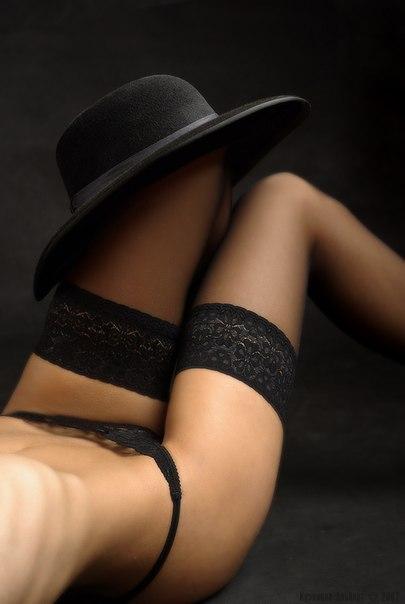 Фото ножки в чулках красивые