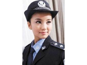 Китайскую модель отправят в тюрьму за фотосессию в полицейской форме (340x255, 12Kb)