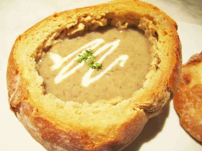 суп грибной в булочке (700x525, 158Kb)