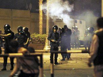 Египет - беспорядки в Каире 2 (346x259, 22Kb)