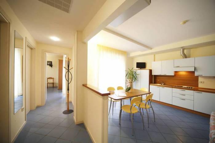 trilo-attico-residence-capitol-cattolica-6[1] (700x466, 28Kb)