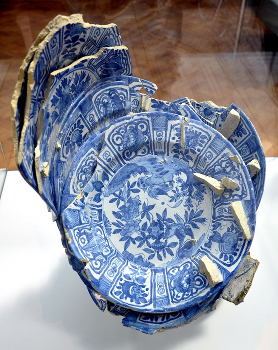 4000579_811pxDelft_kiln_waster_17th_century_VA_C102005 (554x700, 344Kb)